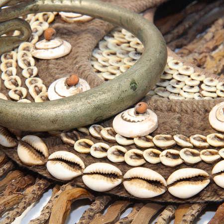 trabajo manual: Mano joyer�a de concha hecha de madera