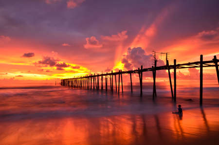 wood bridge to the sea Stock Photo - 14594073