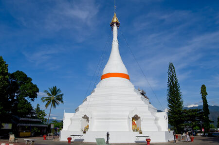 grand son: The white pagoda on blue sky of Mae Hong Son province north of Thailand
