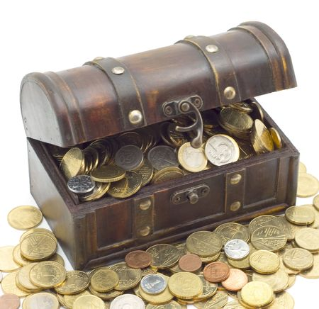 Wooden chest with coins inside isolated background Imagens