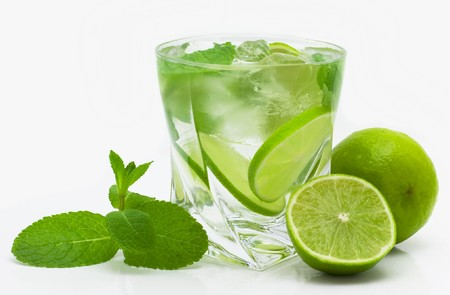mojito isolated on white Imagens