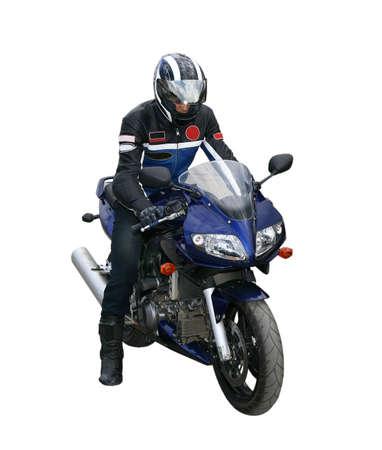 motociclista: El motociclista en un casco y una chaqueta va en una motocicleta.