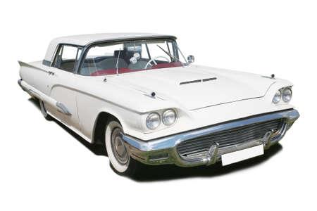 grand blanc voiture ancienne américaine est isolé