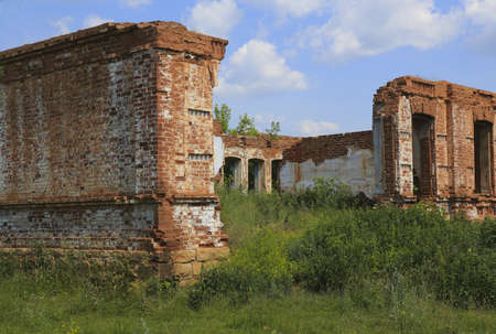 ancient destroyed brick building against the sky Stock Photo - 20749699