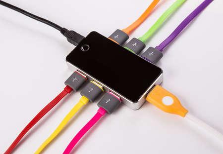 cubo con conjunto de los cables de color conectados Foto de archivo