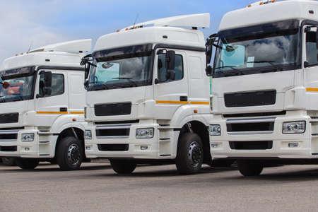 New white trucks for sale. Dealer trucks Standard-Bild - 116225462