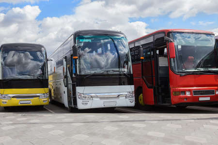 Tour Buses At the Bus Station, waiting for passengers. Banque d'images