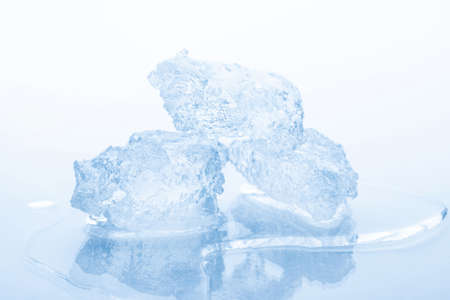 Crushed ice isolated on white background Zdjęcie Seryjne - 41785220