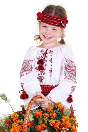 Kleines Mädchen in der nationalen ukrainischen Kostümen auf dem weißen Hintergrund