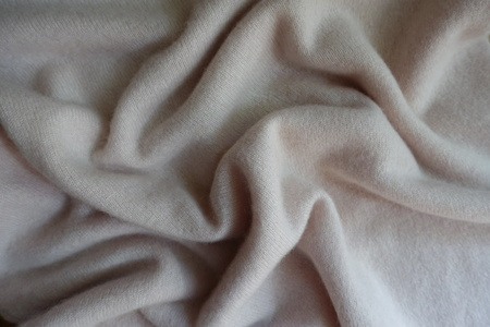 Rippled simple white fluffy woolen knitted fabric