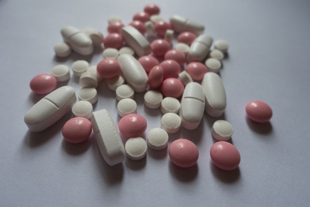 Calcium citrate, vitamin K2 and xylitol pills