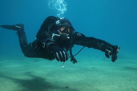 picada: Professional scuba diver