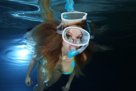 sexy girl diving