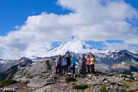 meetup: Artist Point, WAUSA - Septermber 11, 2016: Group of hikers from Vancouver, BC, pose at the view point of Mount Baker on September 11, 2016. All people are members of meetup group Outdoor Club. Editorial