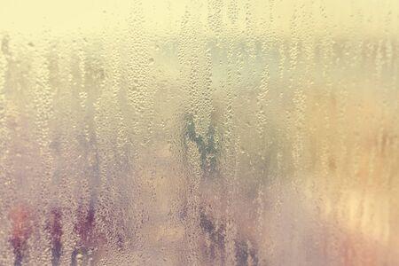 condensacion: Resumen de condensación de niebla fría fondo de la ventana