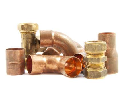 outils plomberie: Mat�riaux de plomberie isol� sur un fond blanc
