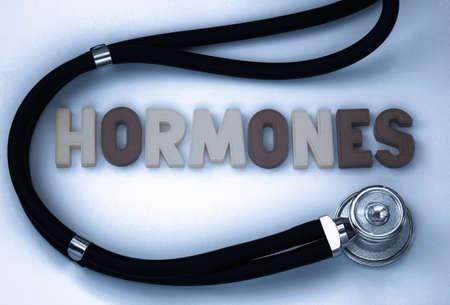 hormonen: Hormones word on the blackboard Stockfoto