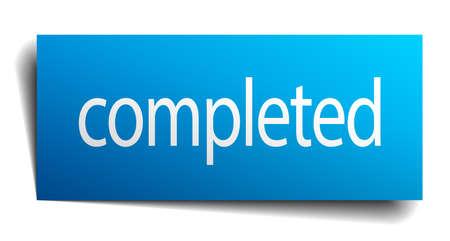 completato: completato quadrato blu carta isolato segno su bianco