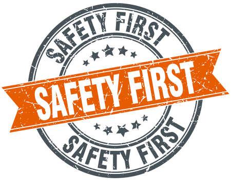 se�ales de seguridad: aislado de seguridad primero de naranja ronda de �poca grunge sello