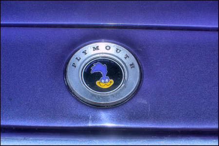 plymouth: 1972 Plymouth Roadrunner emblem