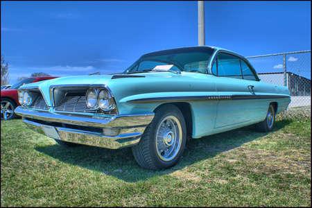 early 60s: 1961 Pontiac Bonneville