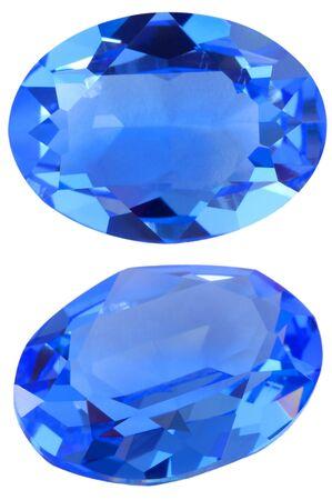 saffier: Geïsoleerde ovale blauwe edelsteen Stockfoto