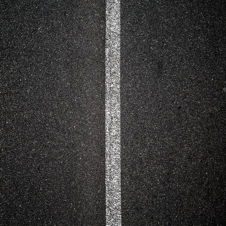 グレーの道路
