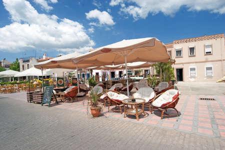 cafe bar: Cafe in Marmaris strand met wolken en de blauwe hemel