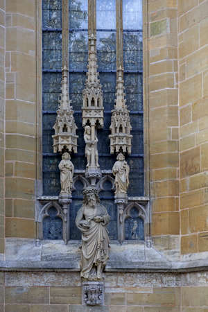 jacob: Statues of saints on the wall of Saint Jacob Church, lutheran in the Rothenburg ob der Tauber, Germany
