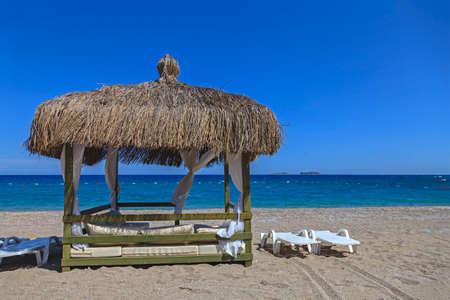 Beach lounge with the sea horizon view Stockfoto