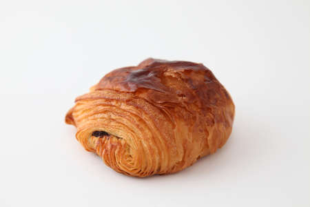 french bread pain au chocolat chocolate croissant on white background Banque d'images - 125094790