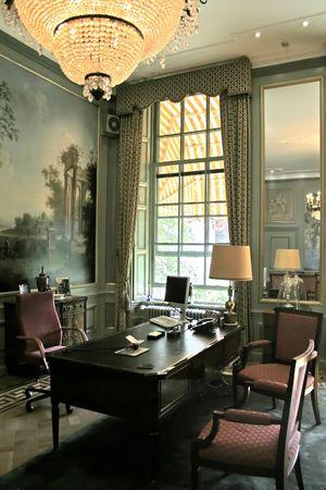 muebles antiguos: Oficina de gobierno trabajador