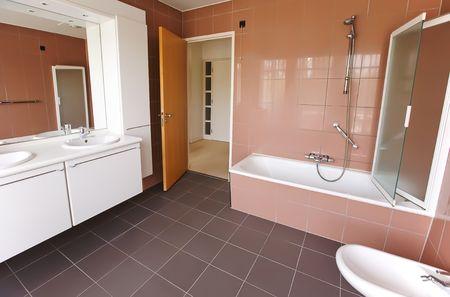 Empty bath room in new apartment Stock Photo - 5750856