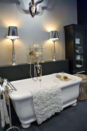 tub: detalle del interior de cuarto de ba�o cl�sico
