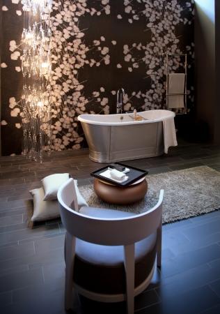 salle de bains: d�tail de l'int�rieur de la salle de bains classique Banque d'images