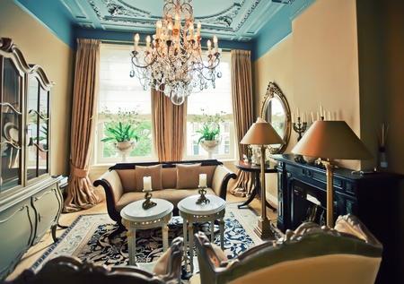 Luxe hotelkamer in een klassieke stijl Stockfoto - 12958284