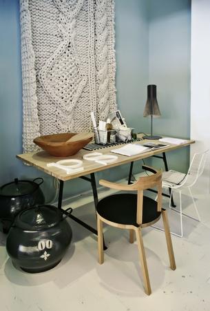 creador: diseñador de lugar de trabajo en el hogar