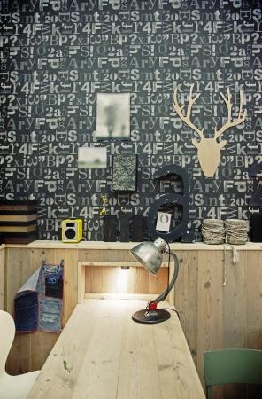 Stilvolle Arbeitsplatz für Designer Standard-Bild - 14329606