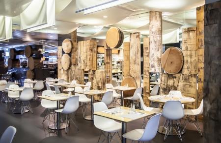 Holz Restaurant in ökologischen Thema Standard-Bild - 14902034