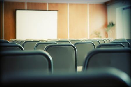 conferentie: detail van het interieur van de vergaderzaal