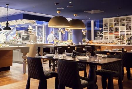 brasserie restaurant: moderne de la ville Banque d'images