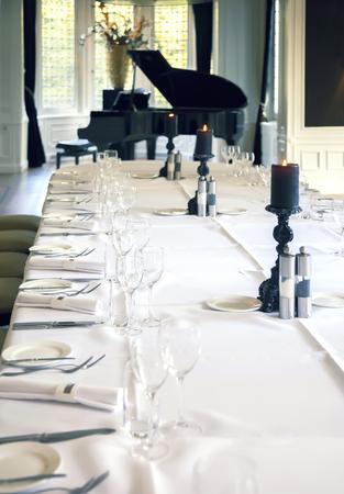 piano de cola: cafetería de lujo con piano de cola