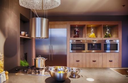source d eau: détail de l'intérieur de la cuisine dans un style contemporain