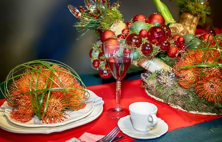 winter party: Disposizione decorativi su tavola invernale parte Archivio Fotografico
