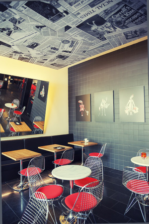 design hotel citizenm london, cafe space in design - hotel citizenm in london, may 2014 stock, Design ideen