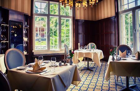 De klassieke inrichting van Duits restaurant Stockfoto