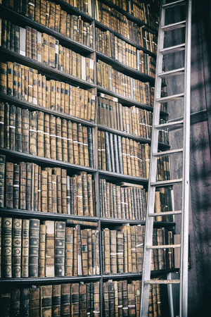 detail of old classic library, Ireland Stok Fotoğraf - 50073561