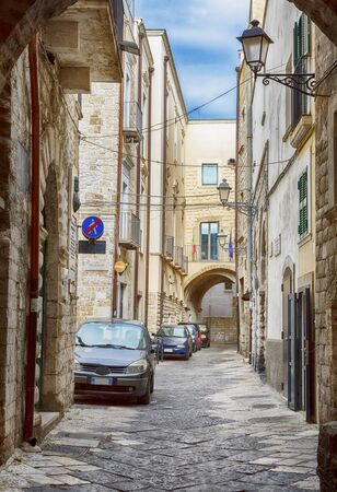 streets and courtyards in the old center of Bari on a weekday, region Puglia, Italy 스톡 콘텐츠
