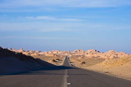 Straße in Wüste