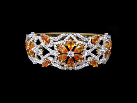sapphire: Zafiro amarillo con el brazalete del diamante